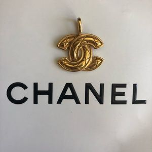 🔥Authentic Chanel necklace pendant💖💫